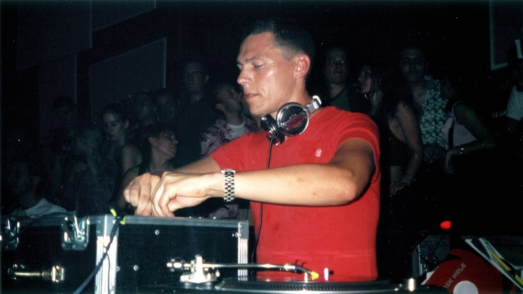 Tiësto at The Love from Above party, the night after Love Parade 2003